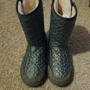Ugg quilted puffy heart boot